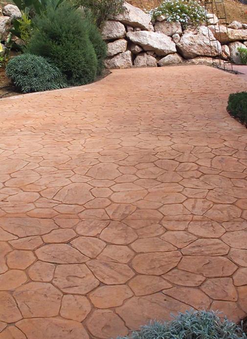 Staza od iscrtanog betona