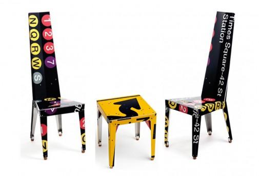 Reciklirane stolice i sto