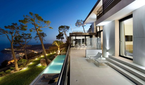 Vila na Azurnoj obali