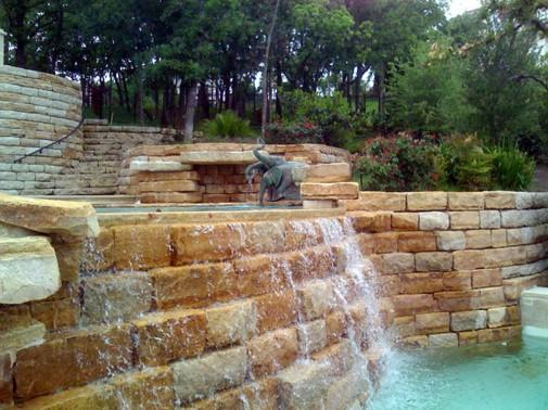Tradicionalni bazeni sa vodopadima