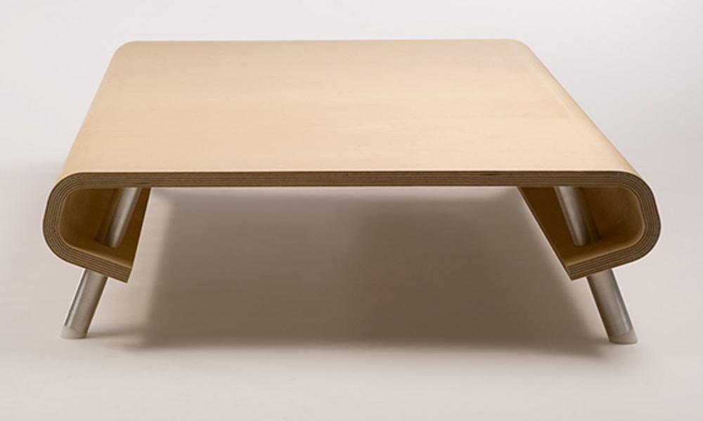 Ergonomičan klub sto za vaš stil