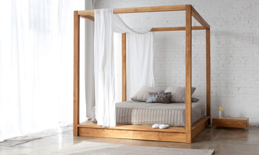 Krevet sa baldahinom