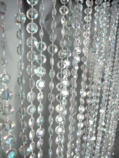 Različite perle za trakaste zavese