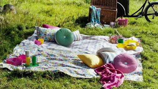 Ukrasni jastuci za dvorište