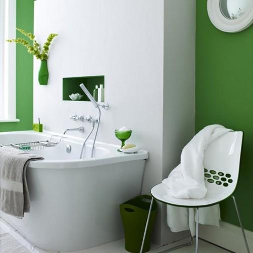 Zelene biljke u skladu sa kupatilom