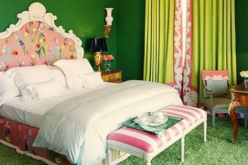 Spavaća soba u roze-zelenoj kombinaciji