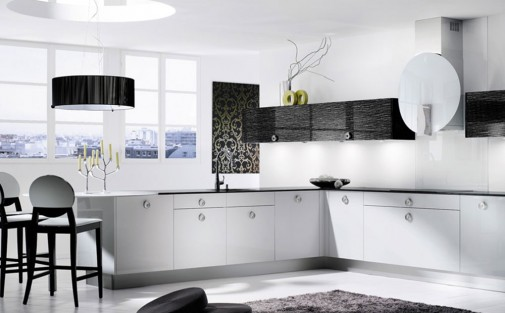 Fantastična crno bela kuhinja