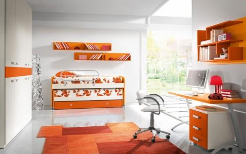 Soba sa narandžastim elementima