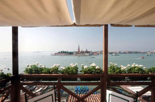 Terasa sa pogledom na Veneciju