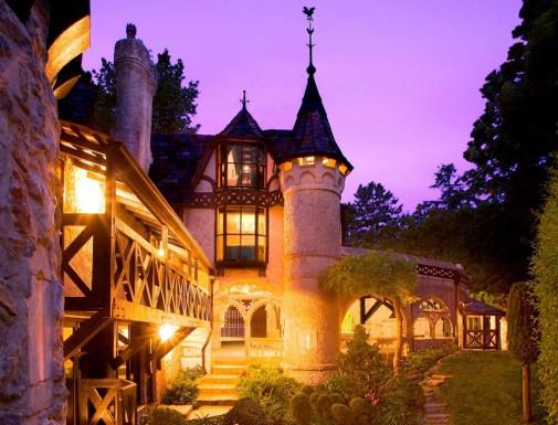 Thorngrove Manor hotel noću