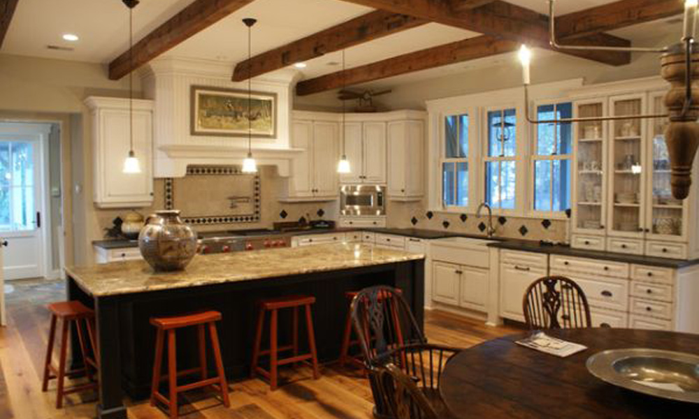 Atraktivne Rustične Kuhinje I Plafonske Grede