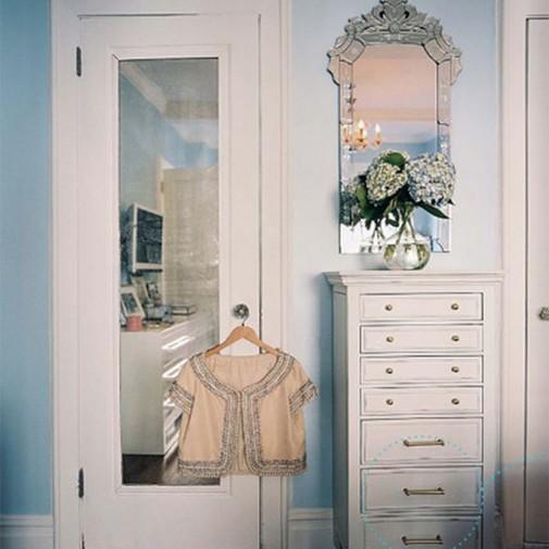 Venecijansko ogledalo uvek je centralna tačka dekora