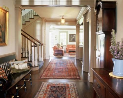 Persijski tepih u hodniku