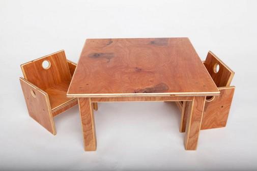 Boja stola i stolica