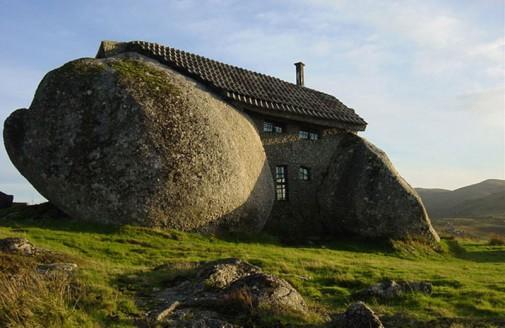 Neobična kuća od kamena