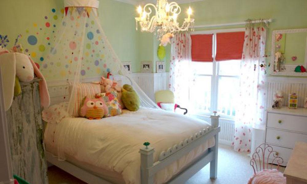 Zelena dečja soba sa baldahinom