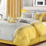 Žuto-siva posteljina