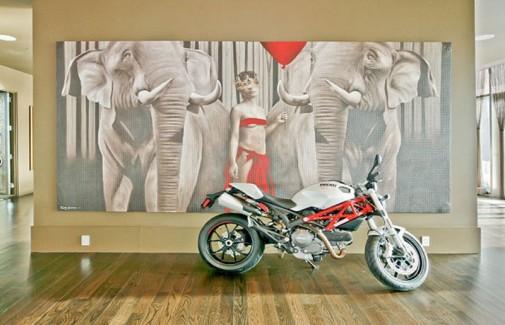 U jednoj od soba smešten je motor marke Ducati