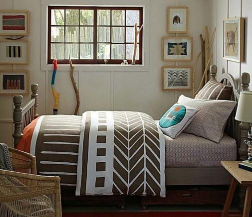 Braon-bela posteljina