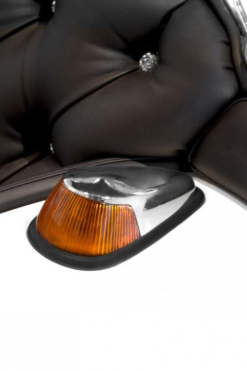 Tapacirana fotelja sa Swarovski kristalima