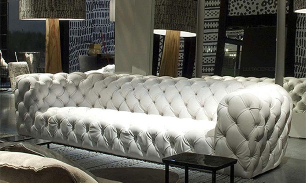 Bela sofa