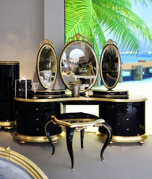 Romantični toaletni stočić Venezija