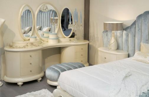 Romantični toaletni stočić Venezija  u beloj boji