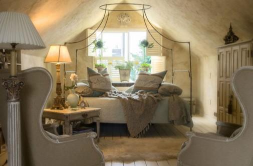 Snovi u krevetu sa baldahinom slika3
