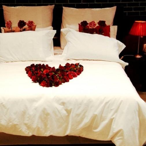 Dekoracija za Dan zaljubljenih spavaća soba slika 7