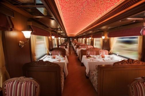 Enterijer luksuznog voza slika5
