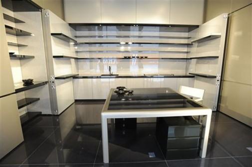 Kuhinja koju je dizajnirao Đorđo Armani slika2