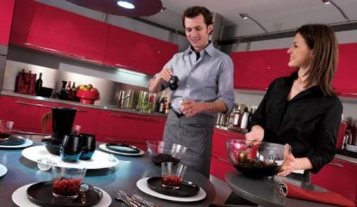 Kuhinje u boji matiranog aluminijuma slika2