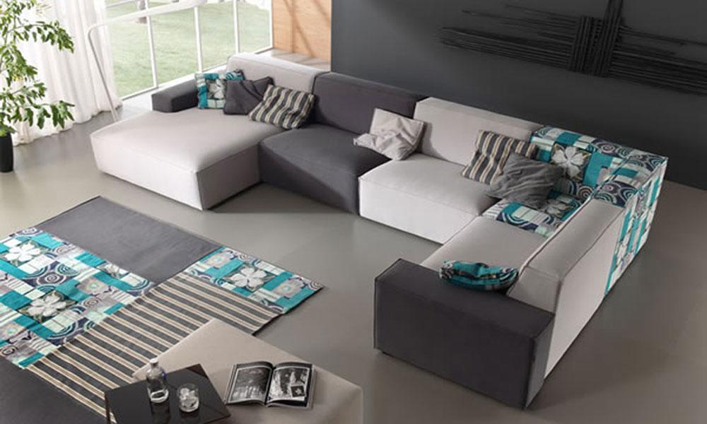 Sofa jednostavnih linija
