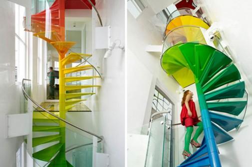 Stepenište u duginim bojama