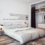 Umirujući beli zidovi dekorisani su retkim poetskim citatima