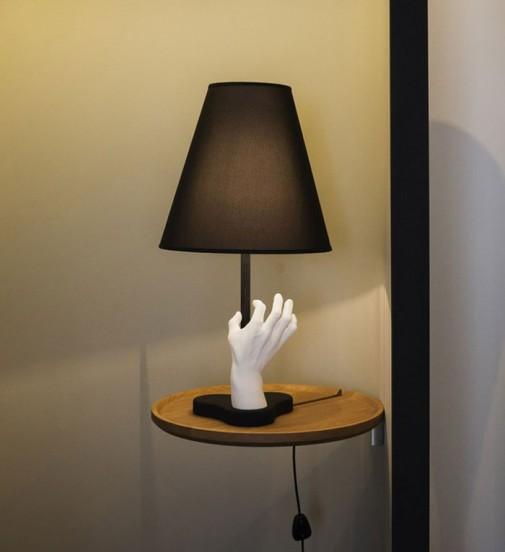 Lampa sa rukom slika2