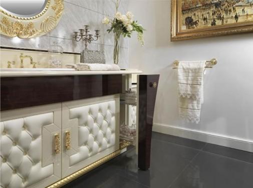 Luksuzno i moderno kupatilo u boji šampanjca slika2