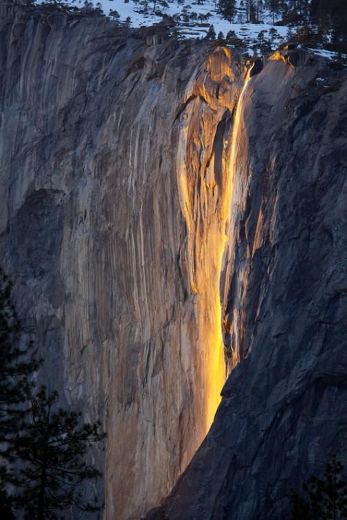 Vodopad kao lava slika 2