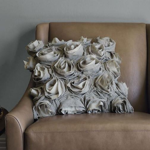 Jastuci i jastučići kao dekoracija u dnevnoj sobi slika3