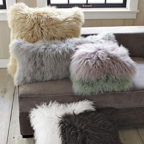 Jastuci i jastučići kao dekoracija u dnevnoj sobi slika5