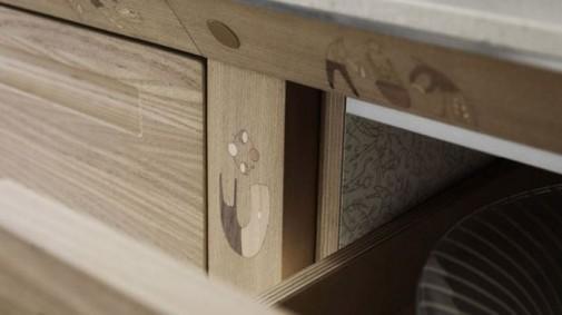 Kuhinja od drveta prepuna detalja slika4