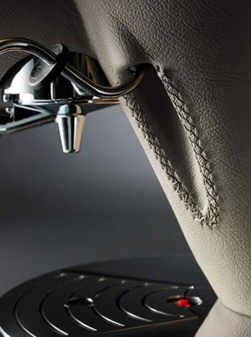 Luksuzni Bugatti aparat za kafu slika2