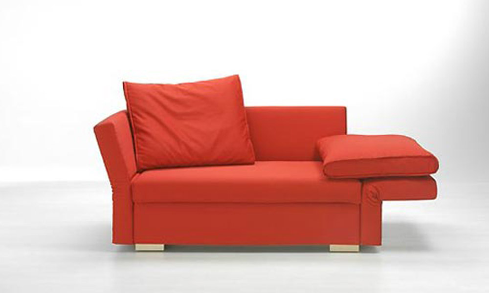 Crvena sofa