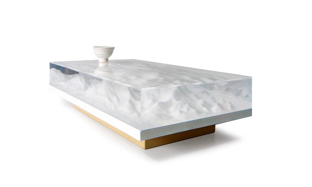 Klub sto kao skulptura