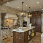 Dizajn kuhinje sa kamenim zidom