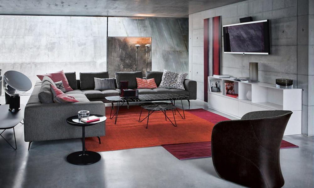 Elegantna i udobna sofa