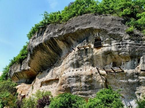 Kuće u i pećini slika4