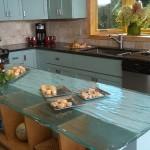 Kuhinje sa staklenim radnim površinama