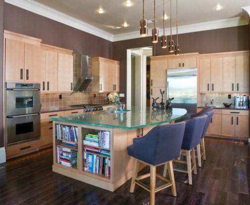 Kuhinje sa staklenim radnim površinama slika3