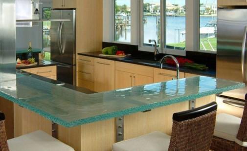 Kuhinje sa staklenim radnim površinama slika4
